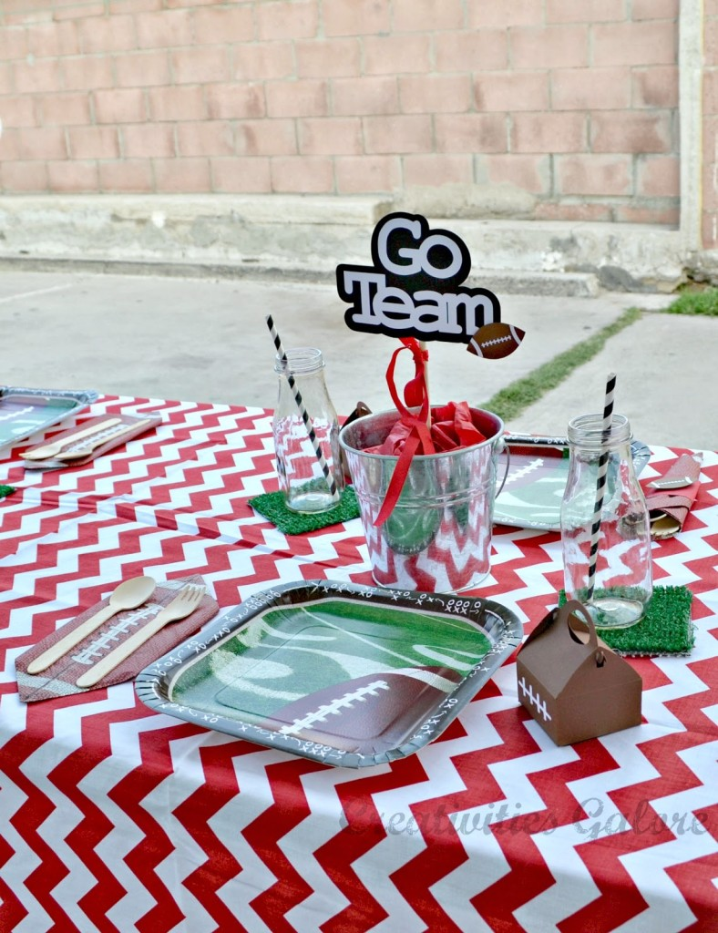 Creativities Galore:: Football Party Tablescape