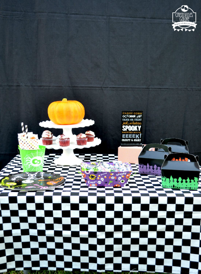 halloween party table 1