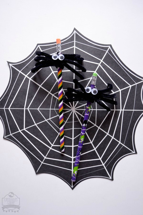 An adorable non candy treat that is perfect for the kids to take to their Halloween class party, a DIY spider pencil Halloween favor