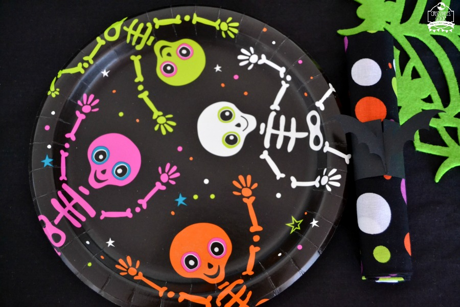 Are you planning a Halloween party? If you are then these easy Halloween party ideas will help you with your planning process.