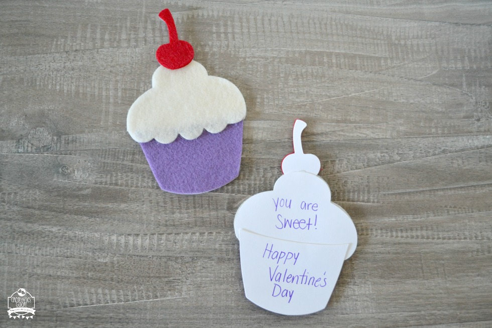Felt cupcake valentine card